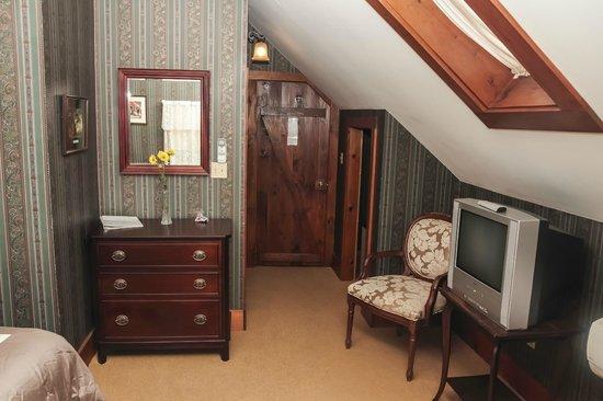 The Ogunquit Inn : Room 6 - King Bed - Private Bath