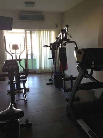 Icaro Suites : Icaro's smaller, but fully complete gym