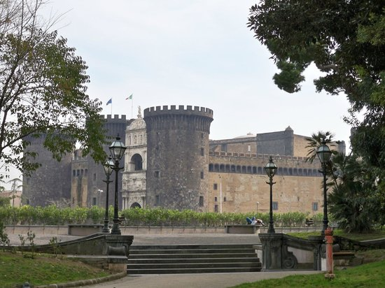 Palazzo Reale : Castel Nuovo