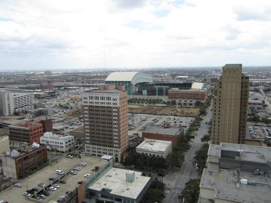 Magnolia Hotel Houston: View from roof at the Magnolia - Minute Maid stadium