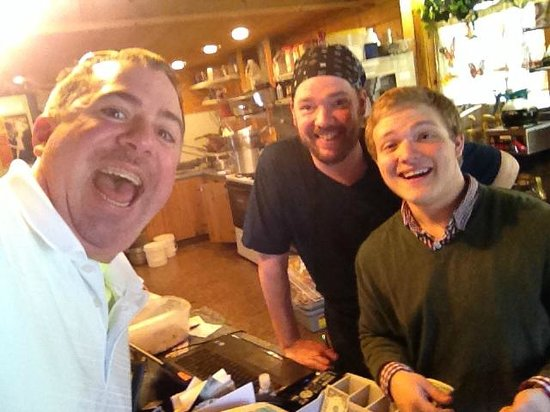 The Cabin Cafe : Selfie with Duane and Waiter