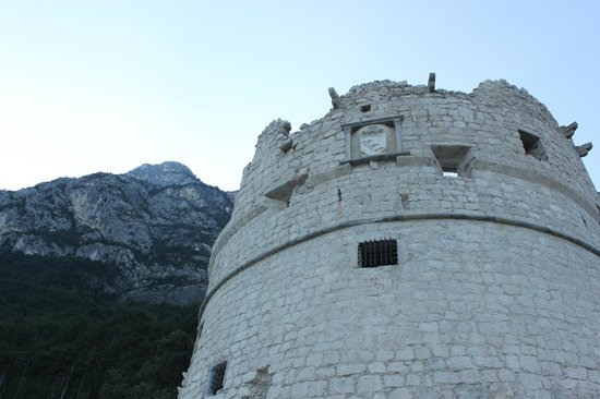The Bastion : Бастион
