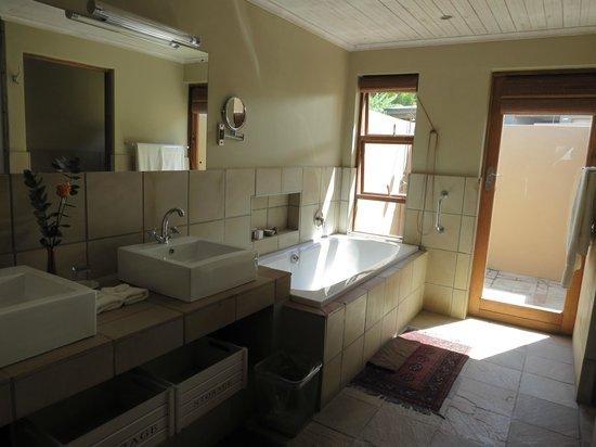 De Zeekoe Guest Farm: Badezimmer