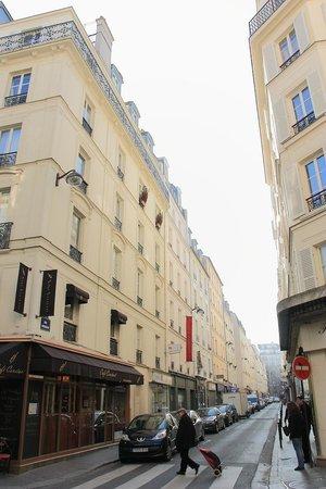 Hotel de Londres Eiffel : Hotel Facade
