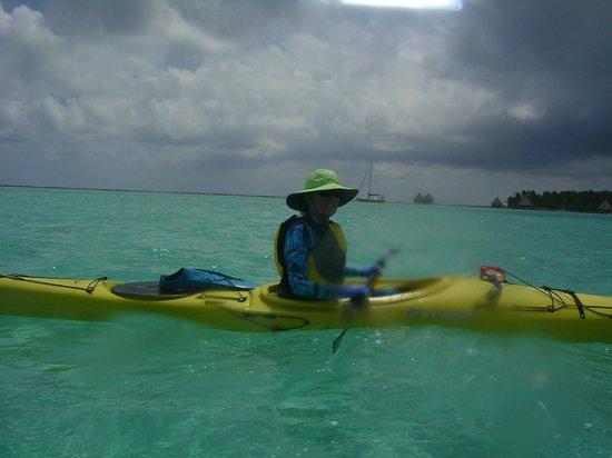 Long Caye Resort: Sea Kayaking to a snorkel site