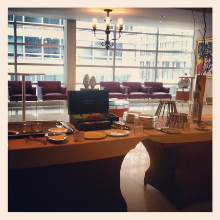 Sofitel Montreal Golden Mile: Tea time