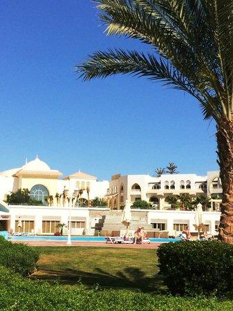 Old Palace Resort: Hotelansicht von Meer aus gesehen