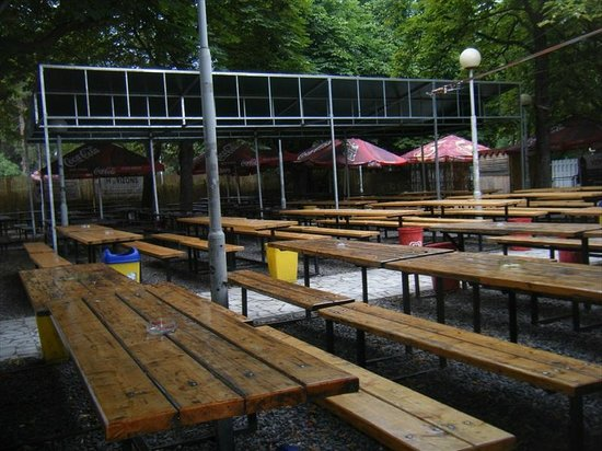 Riegrovy Sady Beer Garden: Holiday emptiness