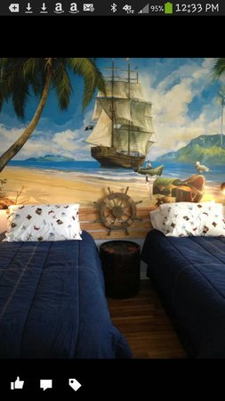 Legacy Dunes: Pirate room in madhatter