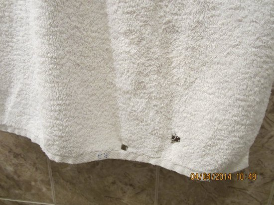 Silver Hotel Budapest: Towel with holes