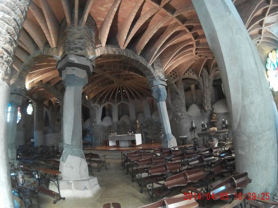 Colonia Guell  Gaudi Crypt: Interior Cripta Gaudí