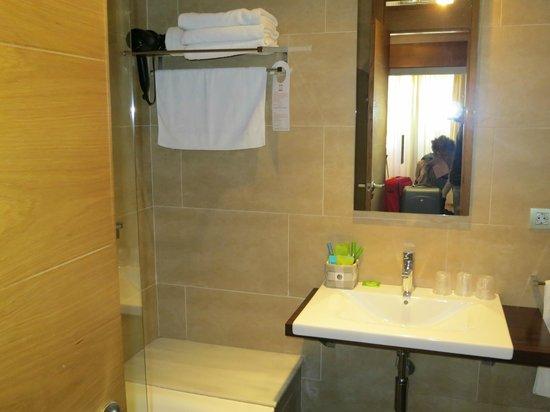 Altair Hotel: Piccolo bagno completo