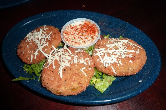 Dinosaur Bar-B-Que : Fried green tomatoes - typical appetizer