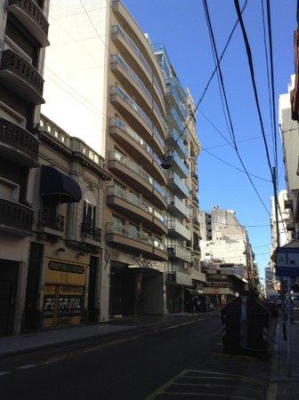 Icaro Suites : Icaro from Montevideo Street