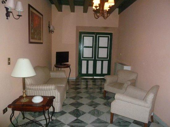 Hotel Florida: salon de la chambre 10