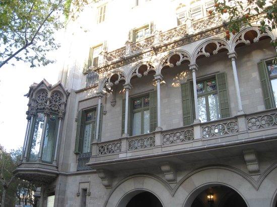 Passeig de Gràcia: Another stunning building.