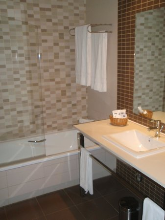 Hotel Elba Carlota : Bathroom