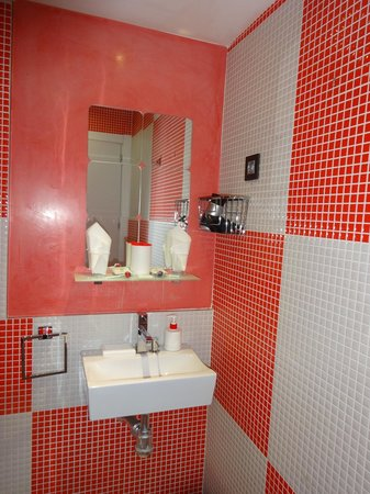 Hostal Madrid Inn : salle de bain