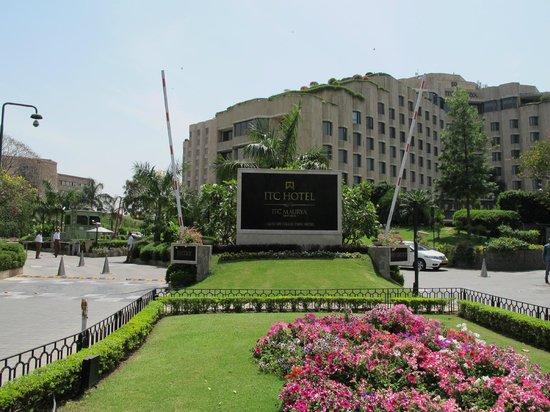 ITC Maurya, New Delhi: the entrance by day