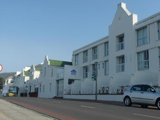 Windsor Hotel & Apartments : façade