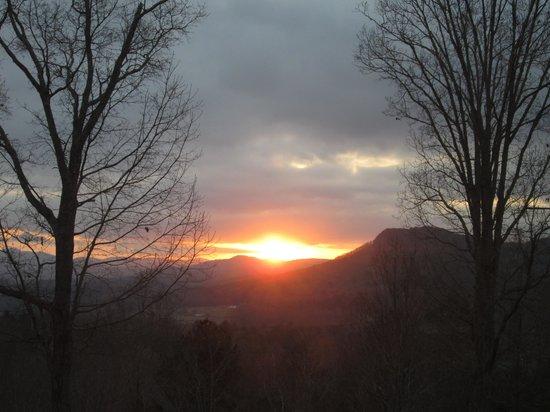 Lucille's Mountain Top Inn & Spa: Room 4 View