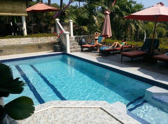 Tempat Senang Resort : swimming pool