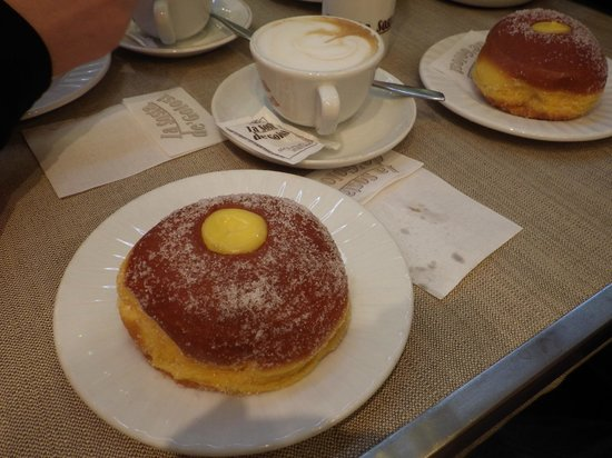La Sosta de' Golosi: Beautiful pastries and cappucinos