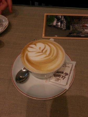 La Sosta de' Golosi: Cappuccinos with amazing designs!