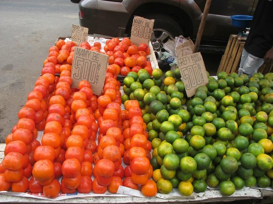 Analakely Market: Овощи в ассортименте