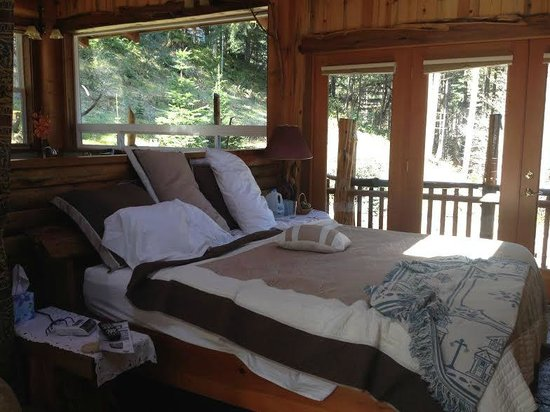 Lanzarotta Bed and Breakfast: King Bed - Messy is our fault! - Extremely Comfortable!