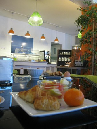 Inter Hotel Lyon Nord : buffet petit déjeuner