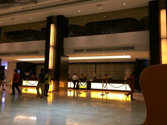 Hatten Hotel Melaka: Front desk