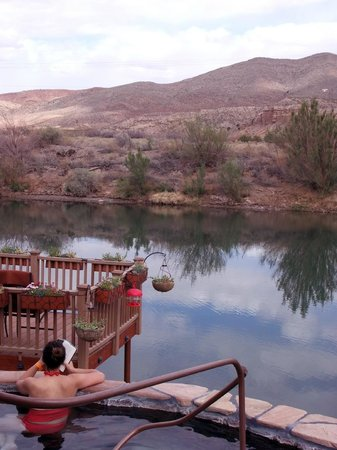 Riverbend Hot Springs: Hot Springs Tub