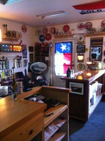 Yosemite Ale Werks: Tap room