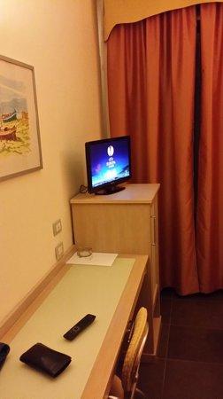 Hotel Mediterraneo : Consolle camera
