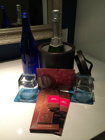 The Kimpton George Hotel: Happy Anniversary to us :)