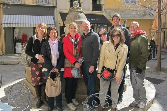 Tastes of Provence - Tours : Our group with Jennifer and Mathilde