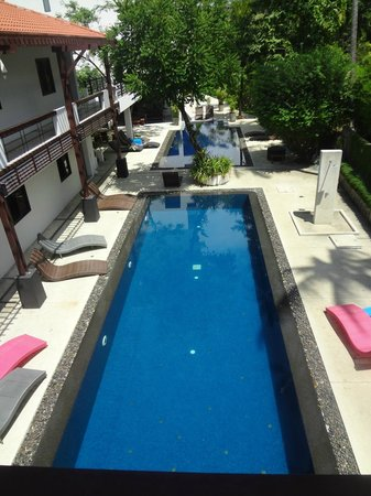 Surintra: 1 des 2 piscines