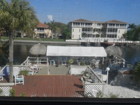 Hideaway Waterfront Resort & Hotel : View from our room
