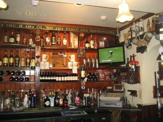 The Laurels: Bar
