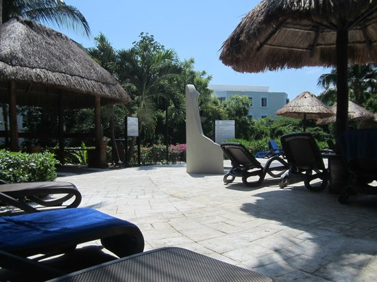 Sandos Caracol Eco Resort: Select Club pool area