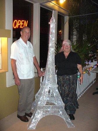 Gulf Bistro: In front of restaurant - a mini Eiffel Tower
