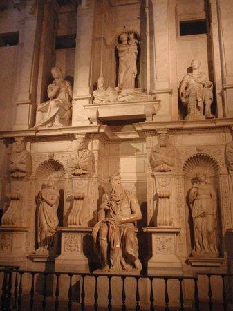 Saint-Pierre-aux-Liens (San Pietro in Vincoli) : Moisés