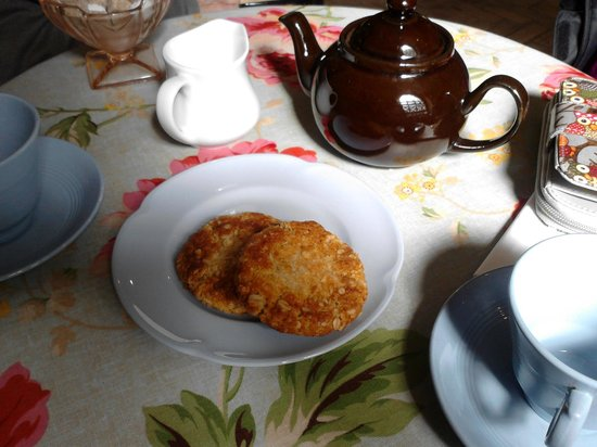 Dad's Army Museum: Pot of lovely tea and anzac biscuits