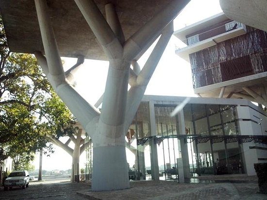 Holiday Inn Tuxpan: Amazing architecture