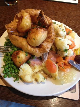 Toby Carvery Carlisle: Pile of food