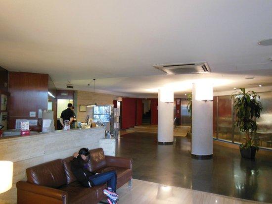 Catalonia Park Guell: Lobby