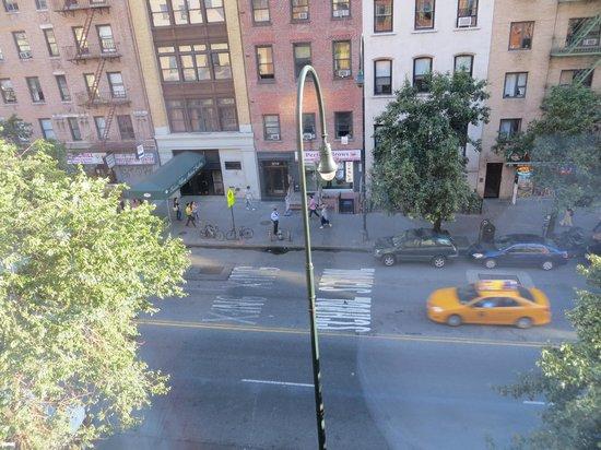 Chelsea Pines Inn: Vista da janela do quarto