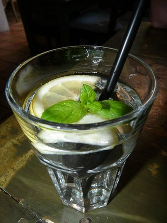 Weranda Caffe: Wasser