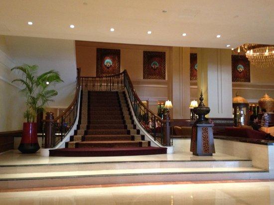 Sule Shangri-La Yangon : Lobby